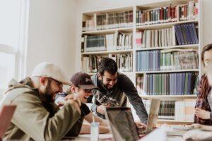 Livros para empreendedores: 7 dicas para startup founders